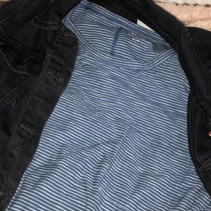 Old Navy blue stripped shirt